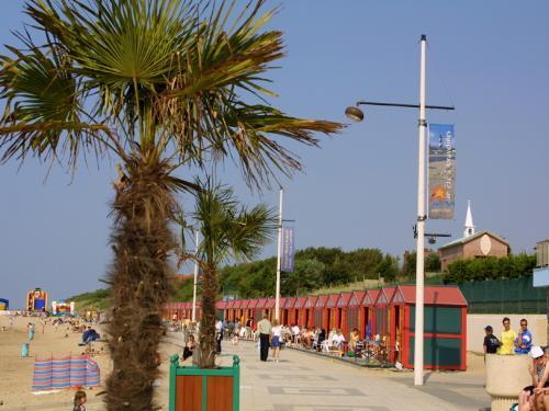la plage de petit fort Philippe